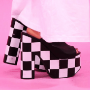 Phoebe Lettice is taking you to new heights! Platforms all the way are her motto for this tutorial.