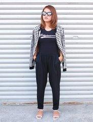 Outfit featuring @pilipinasootd top, @ripplesbyjenny bomber jacket, @keishoppe lounge pants, and @yourfashionlounge sandals. 😎 #OOTDbyFaye #pilipinasootd #Clozette