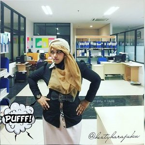 """MON, NOV 30th, 2015 ---- 👜👢👗 #heztyharajuku #OOTD #elegantlook at #office in #Autumn 👗👢👜 """"...Everybody has just #disappeared when the #ladyboss was getting #angry """" 😈😂😈 #ClozetteID @clozetteid #modestfashion #coveredstyle #scarf #headscarf #hijabista #hijabstyle #lecturer #modesty #stylish #knitberet #blackandwhite #instafashion #fashion #style #MuslimahIndonesia"""