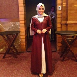 Graduation Nite and Gala Dinner🍷 Outfit by Yusra Idrus Boutique MUA by @markutitut  Heels by @bellagioshoes_fashion *abaikan penampakan😂* #promnite #graduation #dinner #galadinner #clozetteid #hijabootdindo #hijabersreview